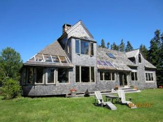 Gorgeous 3 bedroom House in Stonington - Stonington vacation rentals