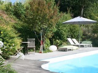 Nice Bed and Breakfast with Internet Access and Shared Outdoor Pool - Haux (Gironde) vacation rentals