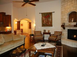 In The Woodlands for pleasure or business - Conroe vacation rentals
