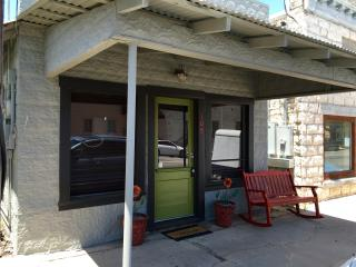 Nice Guest house with Television and Central Heating - Johnson City vacation rentals