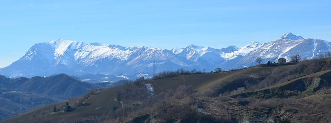 Nice House with Internet Access and House Swap Allowed - Montefalcone Appennino vacation rentals