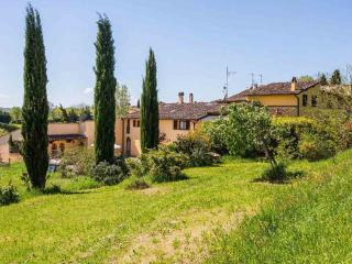 TINAIA-1 casa/villa 11/16 p. letto - Villamagna vacation rentals