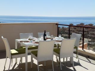 MH18 - Deluxe 2 Bed apartment, sea views - Isla Plana vacation rentals