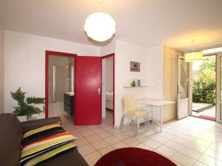 Bonnac T2 - Apartement with terrace in the center of Bordeaux - Bordeaux vacation rentals