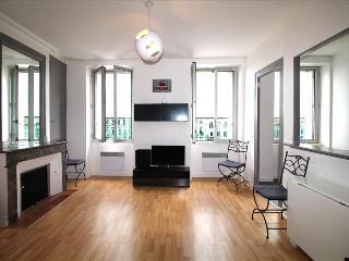 Bonnac T3 - 2 Bedrooms Apartement dans the City Center - Bordeaux vacation rentals