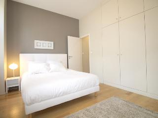 Verdun T3 2 - Luxurious 2 Bedrooms apartment - Bordeaux vacation rentals
