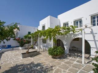 Family home in a picturesque village in Sifnos (upstairs) - Artemonas vacation rentals