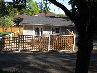 Gorge Guest House - Cozy Vacation Home - Victoria vacation rentals