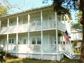 Windemere Guesthouse - downtown location - Apalachicola vacation rentals