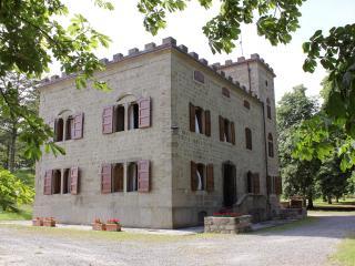 Beautiful Castle in Barberino Di Mugello with Internet Access, sleeps 24 - Barberino Di Mugello vacation rentals