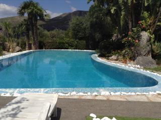 """Little Paradise"" villa con piscina special offer - Formia vacation rentals"