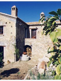 Romantic 1 bedroom Farmhouse Barn in Rossano - Rossano vacation rentals