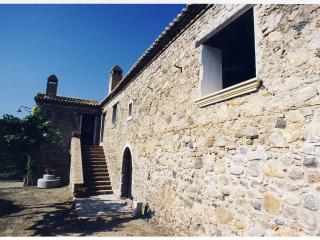1 bedroom Farmhouse Barn with Long Term Rentals Allowed in Rossano - Rossano vacation rentals
