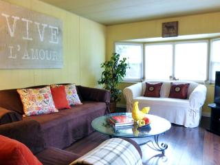 CUTE 2BR COUNTRY COTTAGE near Fort Langley + Bunkbed + Open Deck + Private Trail - Langley vacation rentals