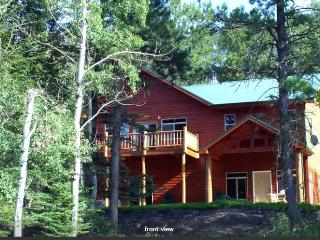 Gorgeous, Fully Loaded, Cottage in The Pines - Nemo vacation rentals
