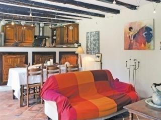 Charming 4 bedroom House in Saint-Amand-de-Coly with Dishwasher - Saint-Amand-de-Coly vacation rentals