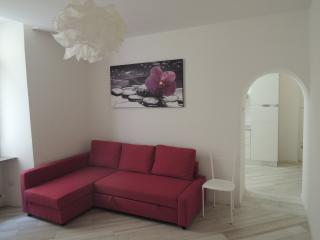Cozy 1 bedroom Torbole Sul Garda Apartment with A/C - Torbole Sul Garda vacation rentals