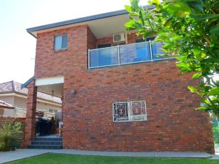 Family Accommodation In Sydney - Arncliffe vacation rentals