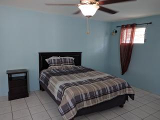 Charming Family room with bathroom - Kingston vacation rentals