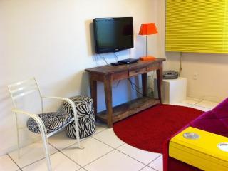 1 bedroom Condo with Washing Machine in Porto Alegre - Porto Alegre vacation rentals