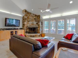Pristine lakefront home near golf course w/ gourmet kitchen - Hayden vacation rentals