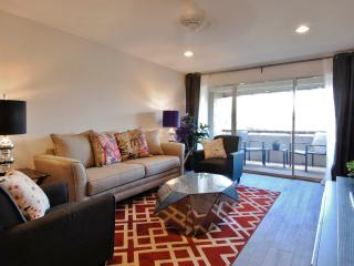Beautifully Remodeled 1BR Top-Floor Condo in Scottsdale! Quiet End Unit with Private Balcony & Mountain Views! - Scottsdale vacation rentals