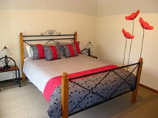 Comfortable Condo with A/C and Garage - Gawler vacation rentals