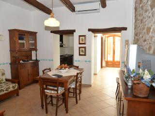 Cozy 3 bedroom House in Milis - Milis vacation rentals