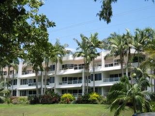 Cozy 2 bedroom Apartment in Wongaling Beach - Wongaling Beach vacation rentals