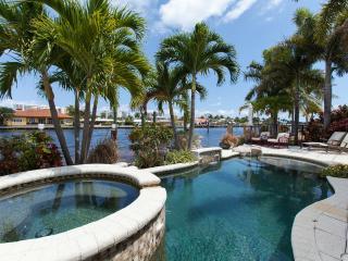 VILLA DEL MARE, WATERFRONT FAMILY-HOME,POOL & SPA - Pompano Beach vacation rentals