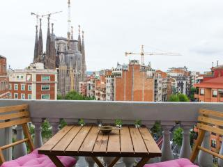 Design Flat in the Very Center 5.2 - Barcelona vacation rentals