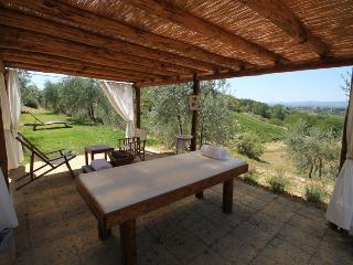 Romantic 1 bedroom Poggibonsi Apartment with Internet Access - Poggibonsi vacation rentals