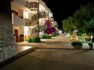 Trilocale per 4/5/6 persone - T2 - Peschici vacation rentals