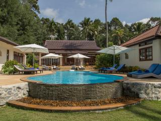 Stunning Luxury Beachfront Villa with pool, 5 BRM - Thong Krut vacation rentals