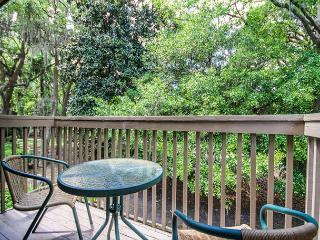 Water Oak 24, 2 BR, 3BA, Golf View, Large Pool, WiFi, Sleeps 8 - Palmetto Dunes vacation rentals