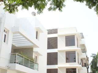 Romantic 1 bedroom Chennai (Madras) Condo with Internet Access - Chennai (Madras) vacation rentals