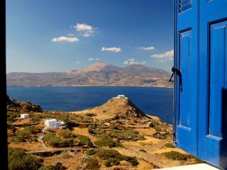 Mansion with stunning views of the Aegean Sea - Chora vacation rentals