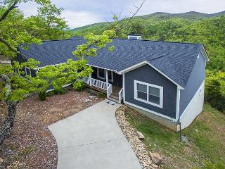 Crockett Ridge | Incredible Mountain Views | New Home - Fairview vacation rentals