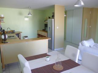 Appartement tout equipé pour 4 personnes - Mamoutzou vacation rentals