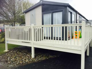 Lovely Caravan/mobile home with Television and DVD Player - Fleetwood vacation rentals