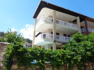 Bright 5 bedroom Villa in Icmeler - Icmeler vacation rentals
