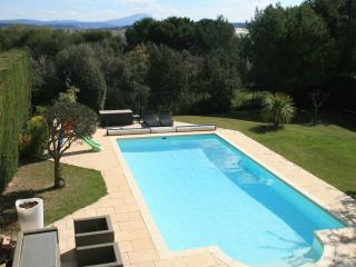 Nice Villa with Internet Access and Garage - Aix-en-Provence vacation rentals