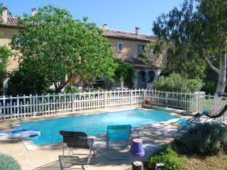 Nice 4 bedroom Gite in Loriol-du-Comtat - Loriol-du-Comtat vacation rentals