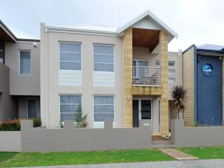 Convenient 3 bedroom House in Rockingham with Washing Machine - Rockingham vacation rentals