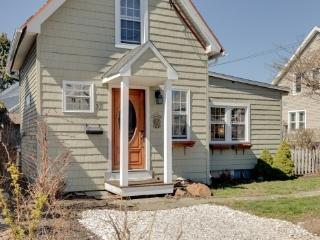 Bright House with A/C and Washing Machine - New Haven vacation rentals