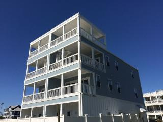 Nicest Beach Home on Carolina Beach, one of best in Wilmington areaa 8 bdrm, 7ba - Carolina Beach vacation rentals