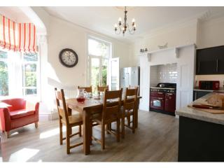 Seashells - Luxury Holiday Cottage close to beach - Broadstairs vacation rentals