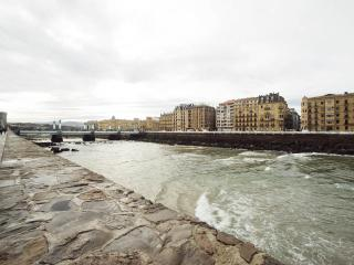 Perfect Condo with Internet Access and Satellite Or Cable TV - San Sebastian - Donostia vacation rentals