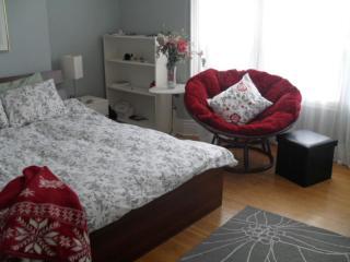 5 Furnished Room, share 1 washroom, student living - Toronto vacation rentals