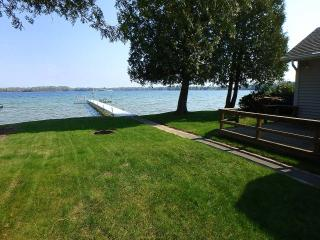 Perfect Kelly Lake Getaway 45 minutes - Suring vacation rentals